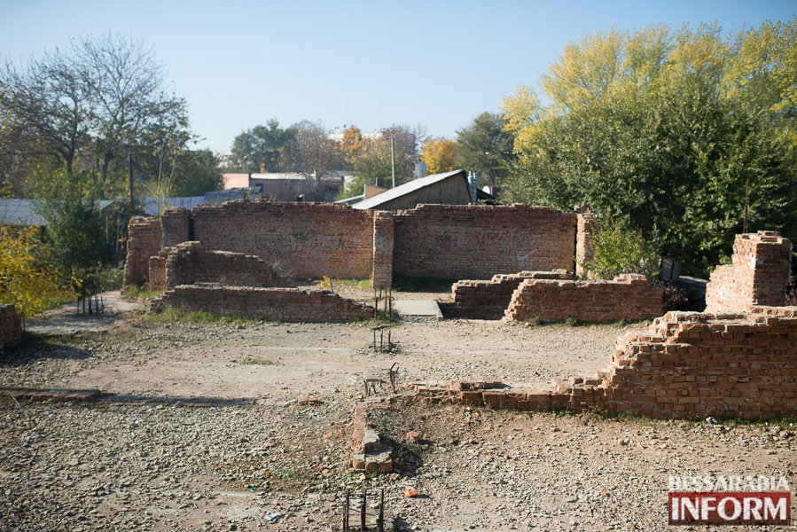 """SME_2682 Ужасы нашего городка: в Измаиле стремительно растет количество """"умирающих"""" зданий (фото)"""
