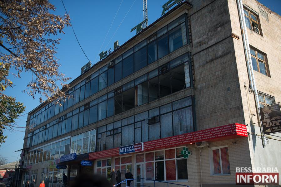 """SME_2699 Ужасы нашего городка: в Измаиле стремительно растет количество """"умирающих"""" зданий (фото)"""