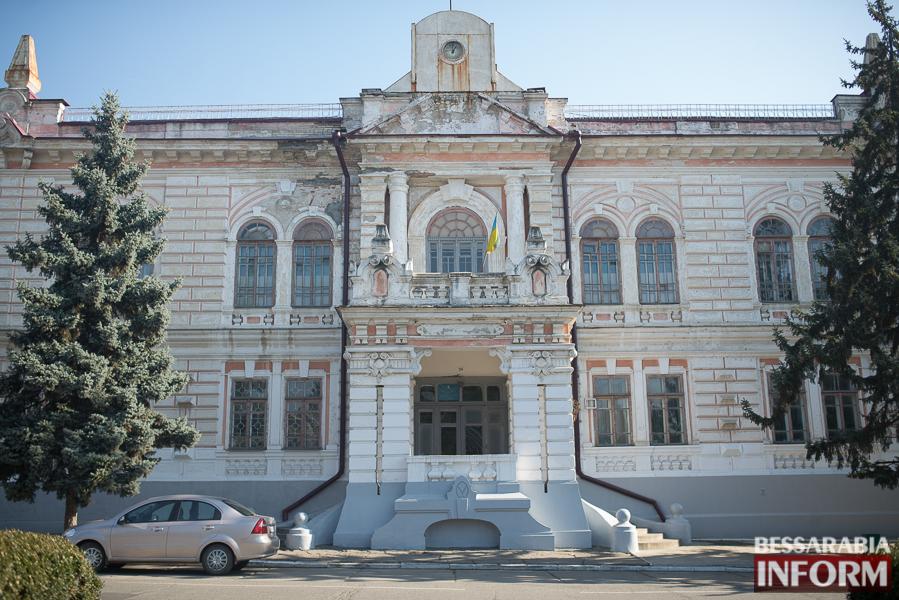 """SME_2709 Ужасы нашего городка: в Измаиле стремительно растет количество """"умирающих"""" зданий (фото)"""