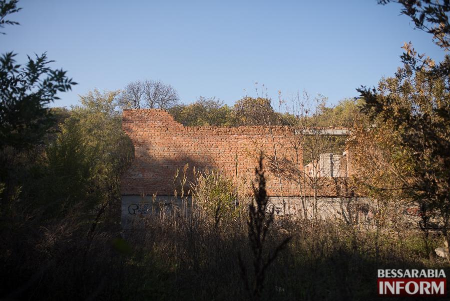 """SME_2747 Ужасы нашего городка: в Измаиле стремительно растет количество """"умирающих"""" зданий (фото)"""