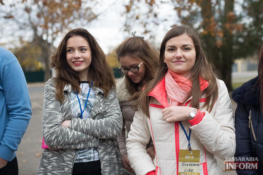 SME_6423 Европа становится ближе - в Измаиле проходит сессия молодежного Европарламента
