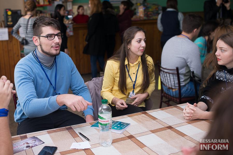 SME_6465 Европа становится ближе - в Измаиле проходит сессия молодежного Европарламента