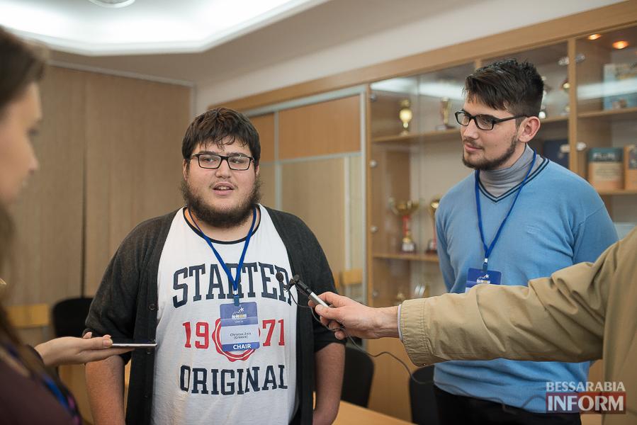 SME_6489 Европа становится ближе - в Измаиле проходит сессия молодежного Европарламента