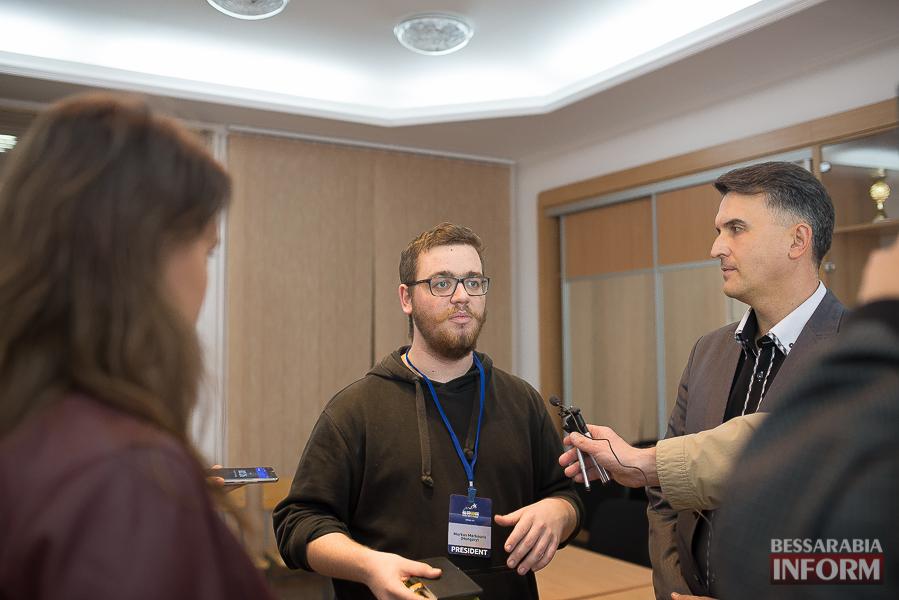 SME_6511 Европа становится ближе - в Измаиле проходит сессия молодежного Европарламента