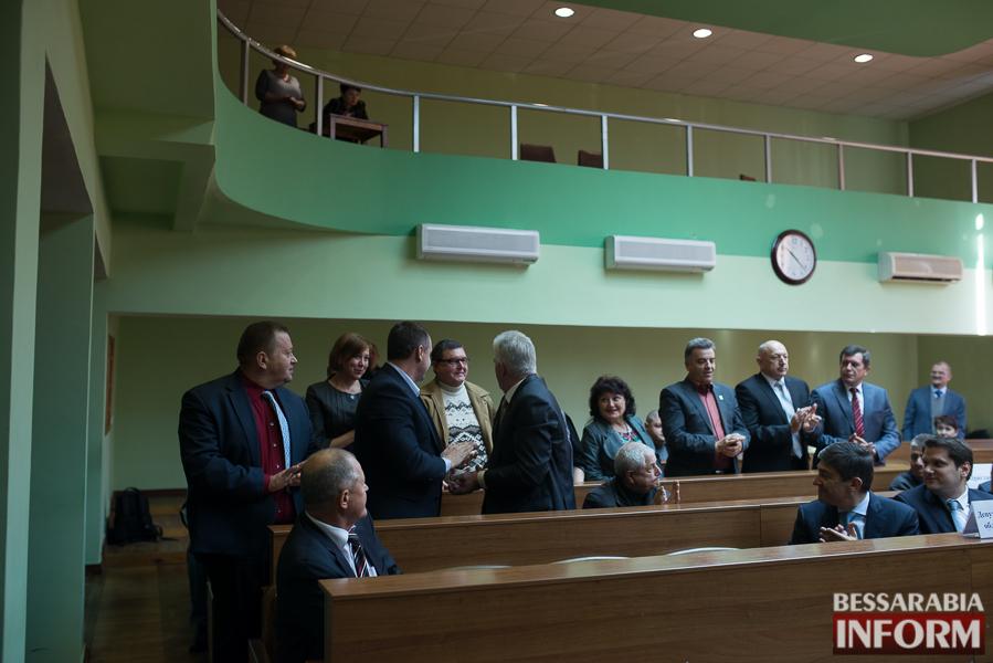 SME_6602 Сессия Измаильского горсовета: депутаты поделили портфели и оказали материальную помощь заместителям мэра