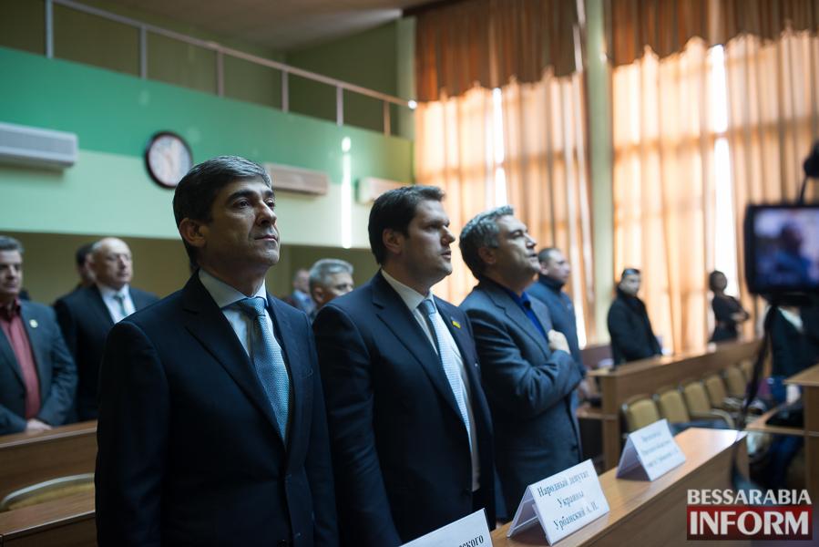 SME_6606 Сессия Измаильского горсовета: депутаты поделили портфели и оказали материальную помощь заместителям мэра