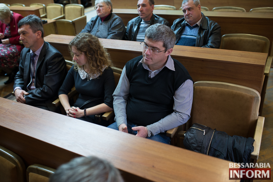 SME_6959 Депутаты Измаильского райсовета разделились на фракции и создали постоянные комиссии