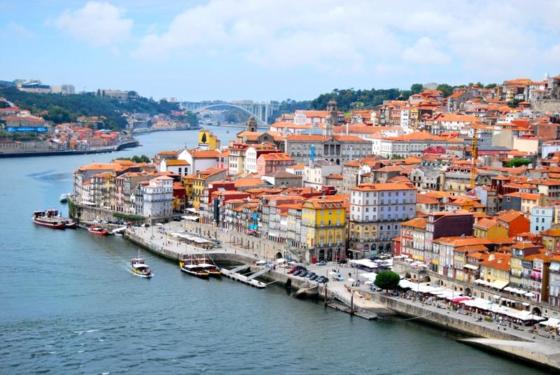 best-places-to-visit-in-portugal-travelling-with-me ТОП-5 стран, в которые украинцам проще всего оформить визы
