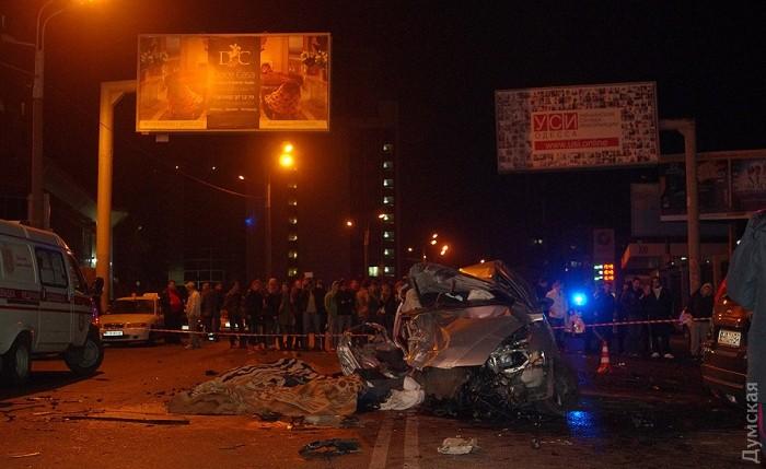 picturepicture_67837663134272_42932 В Одессе произошло страшное ДТП: шесть человек погибли (ФОТО)