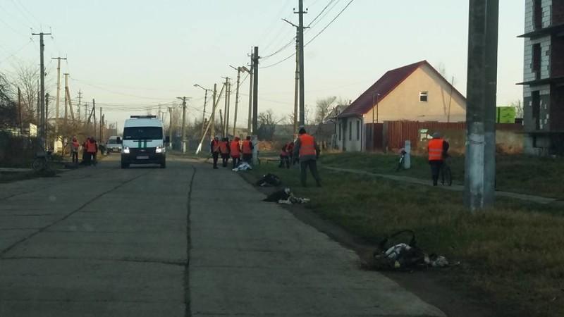"""В Килии на улицу вышли """"оранжевые человечки"""""""