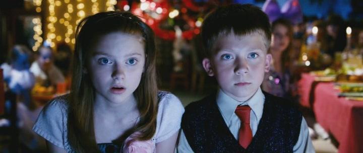 1325219808_elki20joj В поисках праздничного настроения. 11 фильмов, которые стоит посмотреть накануне Нового года