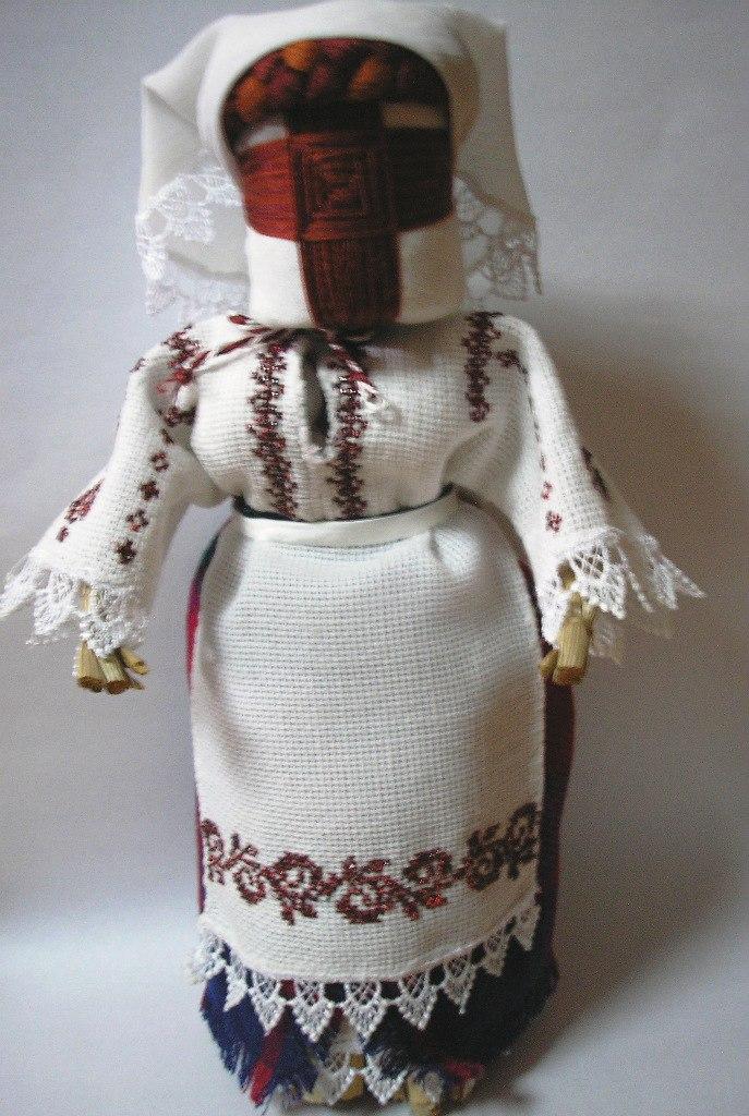 9TviYvWR1F0 Куклы-мотанки главы Измаильской РГА представлены на выставке в Вашингтоне (фото)