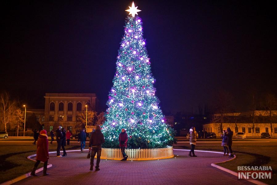 Izmail Выбираем лучшую новогоднюю елку Бессарабии (голосование от БИ)