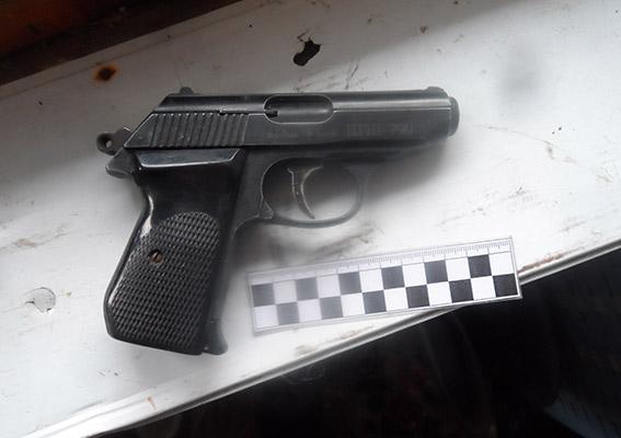 PM267image003 В Аккермане бывший егерь хранил дома найденный в лесу арсенал оружия