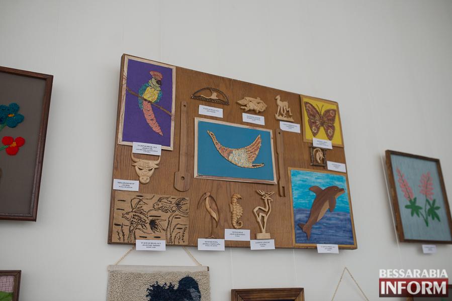 """SME_2973 Измаил: выставка работ """"особых"""" детей (фоторепортаж)"""