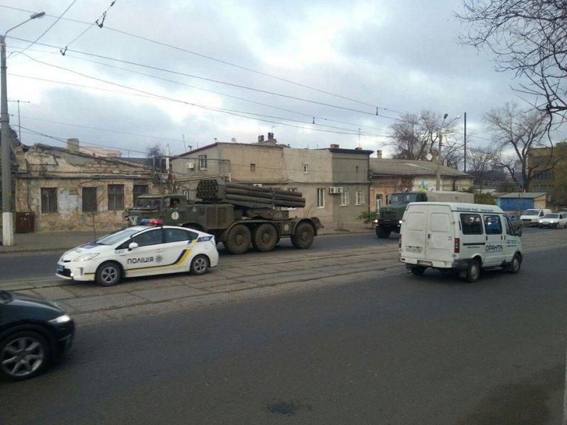 n31864_28519 Военная техника на улицах Одессы