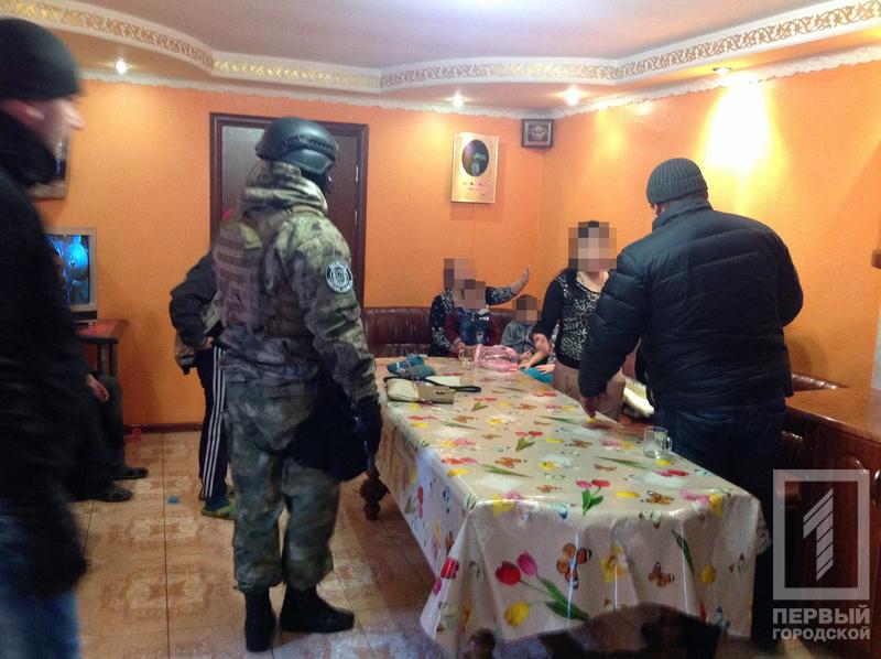 01-1 Измаилу в пример: в Аккермане задержали группировку цыган-наркоторговцев (фото)