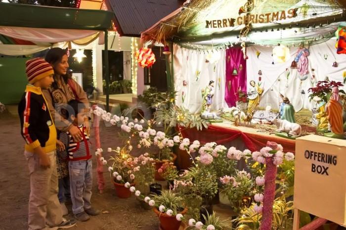 1356425516-christmas-celebrations-in-india_1694342-e1452109644727 Интересные рождественские традиции в разных странах мира