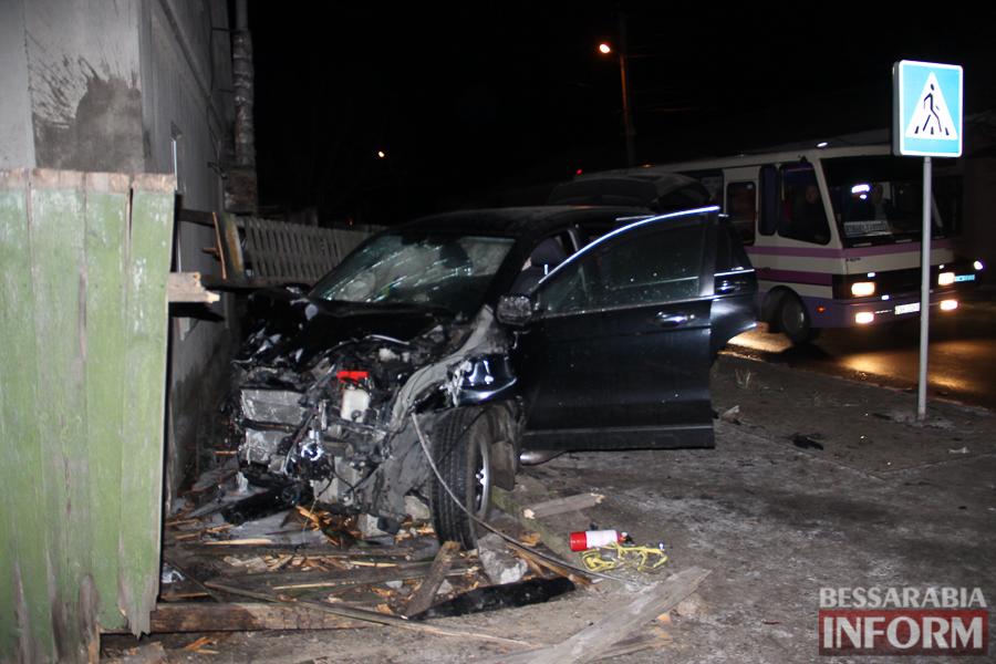 IMG_8776 Очередное серьезное ДТП в Измаиле: Honda врезалась в Niva Chevrolet и сбила человека