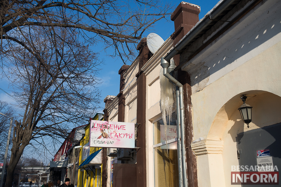 SME_1774-1 Измаил: сосульки на крышах - угроза для жизни (фото)