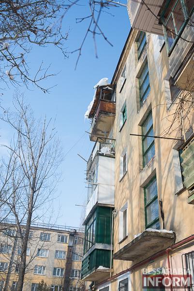SME_1915 Измаил: сосульки на крышах - угроза для жизни (фото)