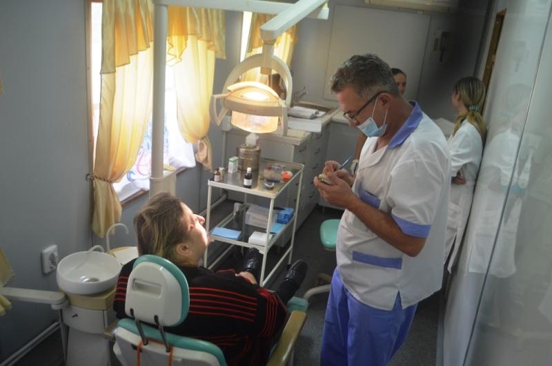 2015-10-22-stomatvagon-2 Стоматология на рельсах - в Аккерман прибыл стоматологический вагон (фото)