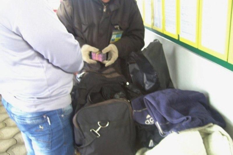 HoQKj27y6mM Через пункт пропуска в Маяках пытались провезти крупную партию запрещенных лекарств