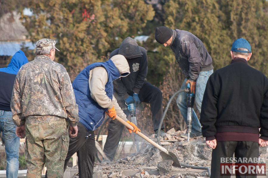 В Измаиле снесли последний памятник Ленину (фото)