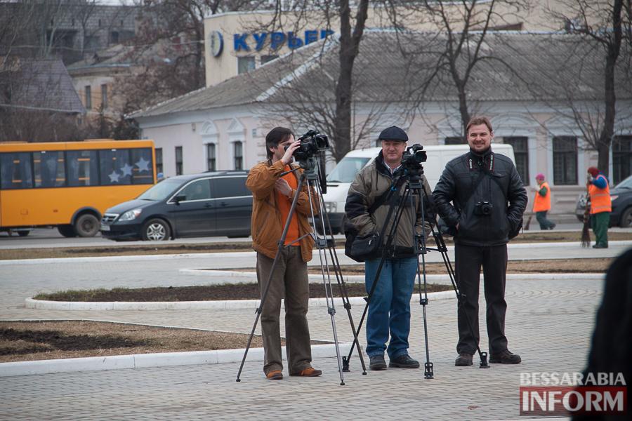IMG_9908 Гудбай, Ильич, гудбай - в Измаиле демонтируют памятник Ленину (ФОТО)