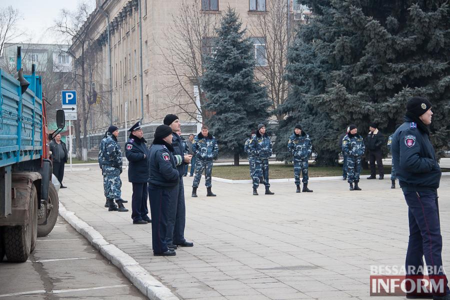 IMG_9915 Гудбай, Ильич, гудбай - в Измаиле демонтируют памятник Ленину (ФОТО)