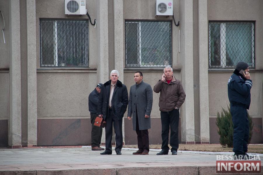 IMG_9917 Гудбай, Ильич, гудбай - в Измаиле демонтируют памятник Ленину (ФОТО)