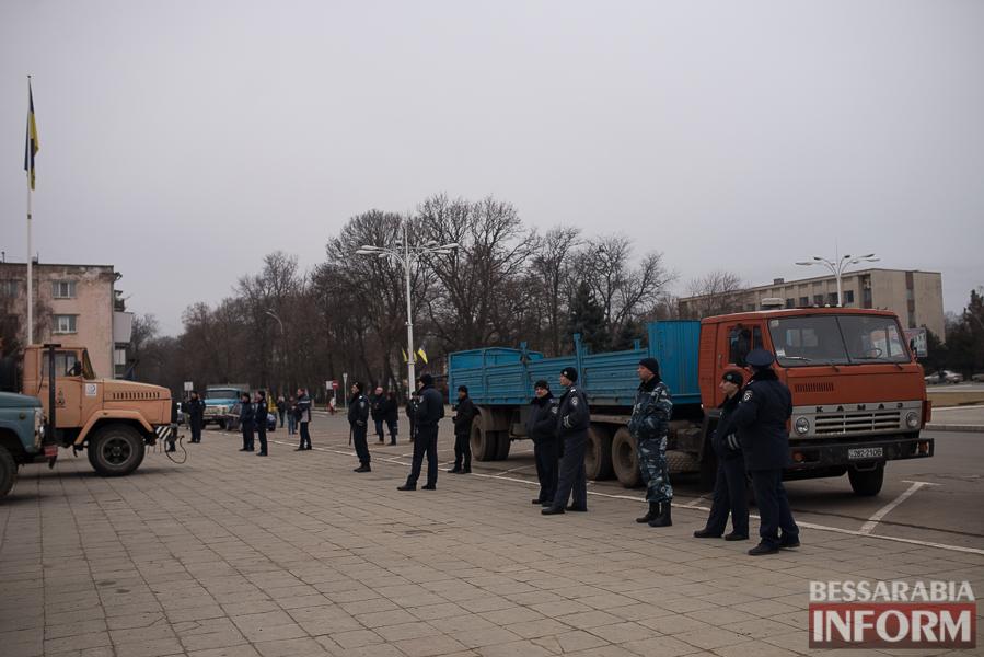 SME_5565 Гудбай, Ильич, гудбай - в Измаиле демонтируют памятник Ленину (ФОТО)