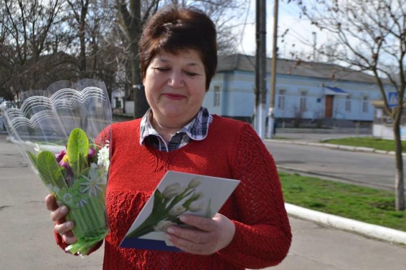 12801347_573123339504066_181569548965874403_n-e1457512314767 Поздравления и цветы прохожим женщинам - от бравых ребят из Килийской варты (фоторепортаж)