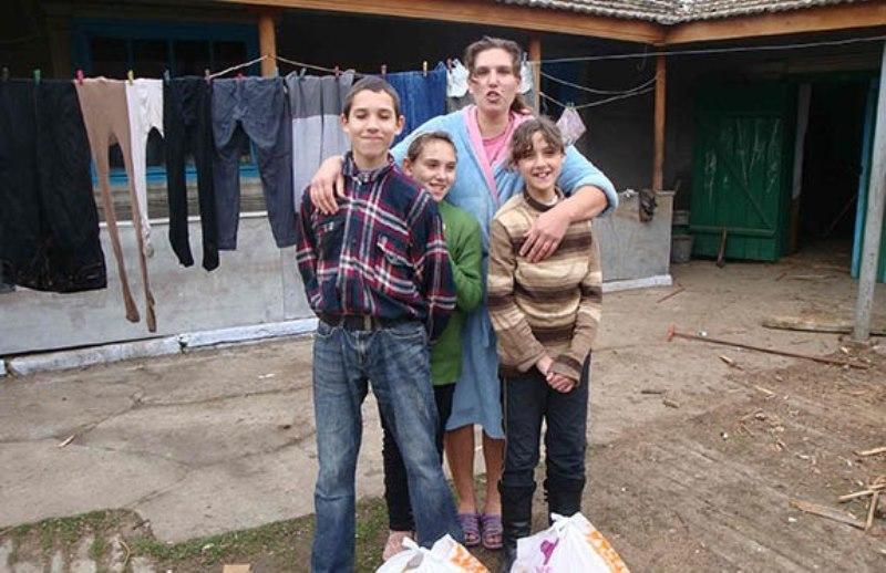 DSC04991 В Болградском районе раздавали гуманитарную помощь из Болгарии (фото)