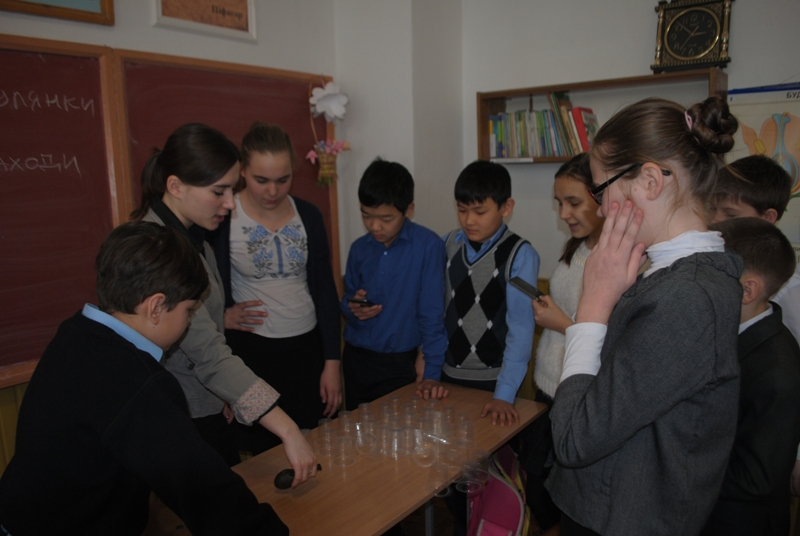 DSC_0844 Измаил: ученики школы «Стежинка» почувствовали себя участниками шоу «Минута для победы»