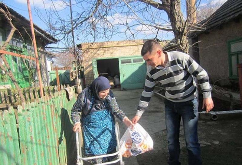 IMG_4303 В Болградском районе раздавали гуманитарную помощь из Болгарии (фото)