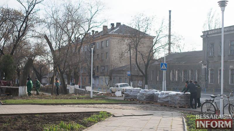 SME_0281 В Измаиле проходит реконструкция Школьного сквера (фото)