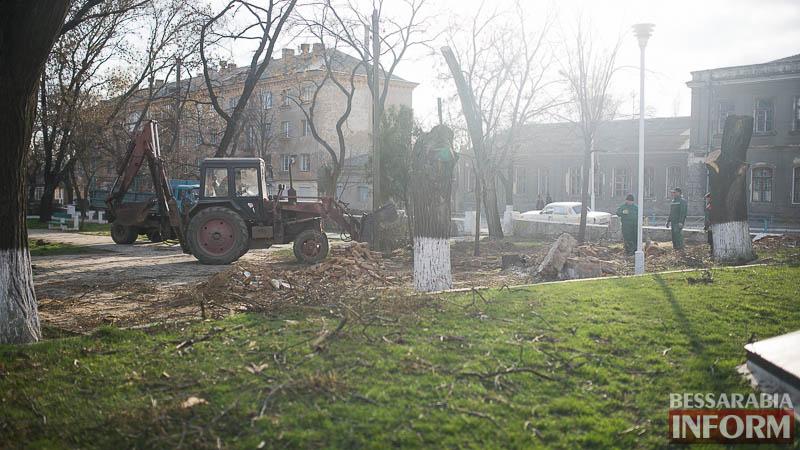 В Измаиле проходит реконструкция Школьного сквера (фото)
