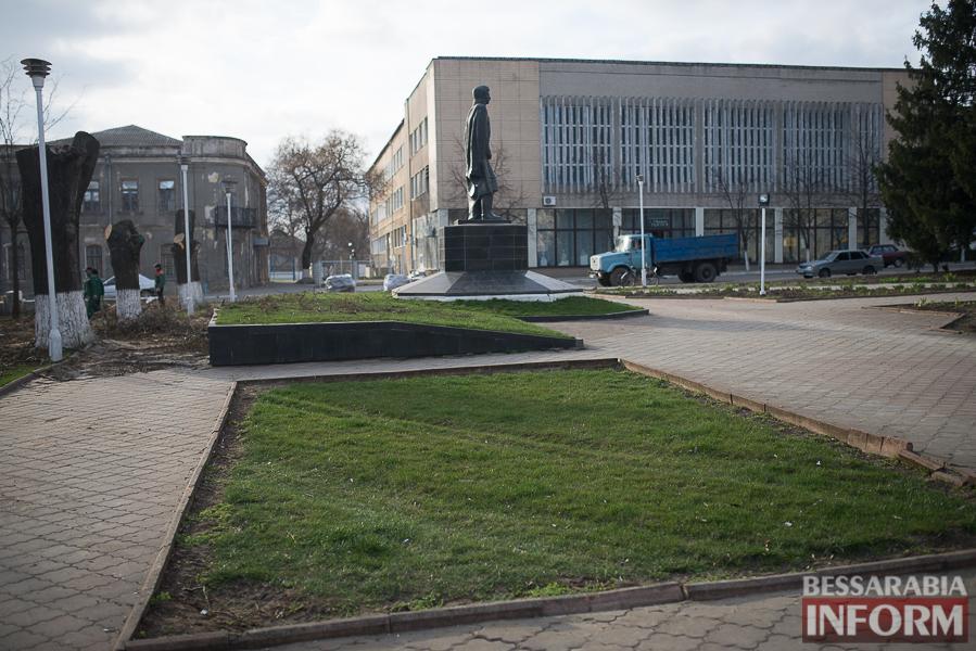 SME_0288 В Измаиле проходит реконструкция Школьного сквера (фото)