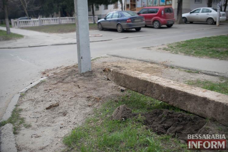 SME_1273 Измаил: по Клушина идет капитальный ремонт сетей наружного освещения (фото)