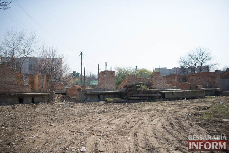 SME_2211-1 Измаил: минус один рассадник бомжей и наркоманов (фото)