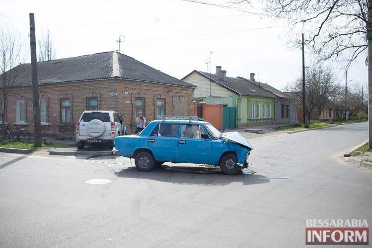 SME_8818 В Измаиле всплеск ДТП: на этот раз дорогу не поделили Suzuki и ВАЗ (фото)