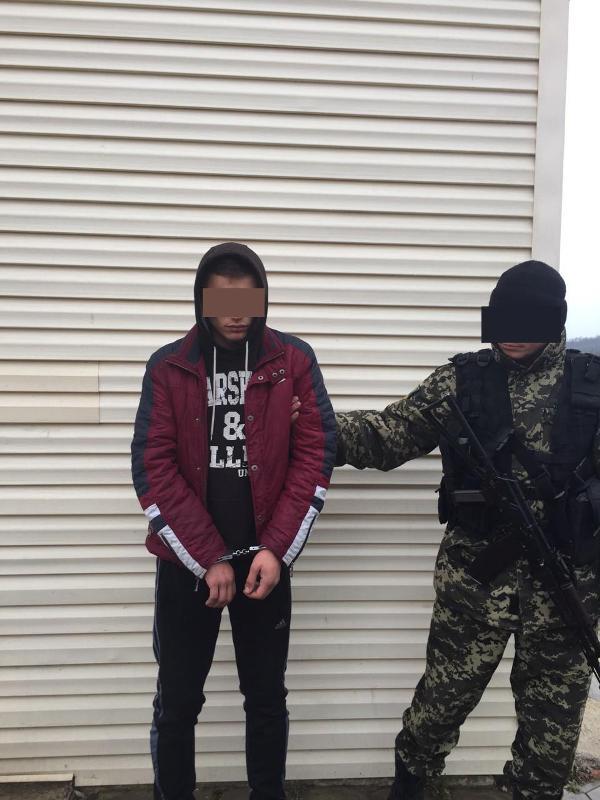 Share2016-03-03-29b8bf55f41aec0490d2d4aa9b3205079d4f187863e95f97cd4ac615775e55ec-Picture Белгород-Днестровские пограничники задержали подозреваемого в совершении теракта