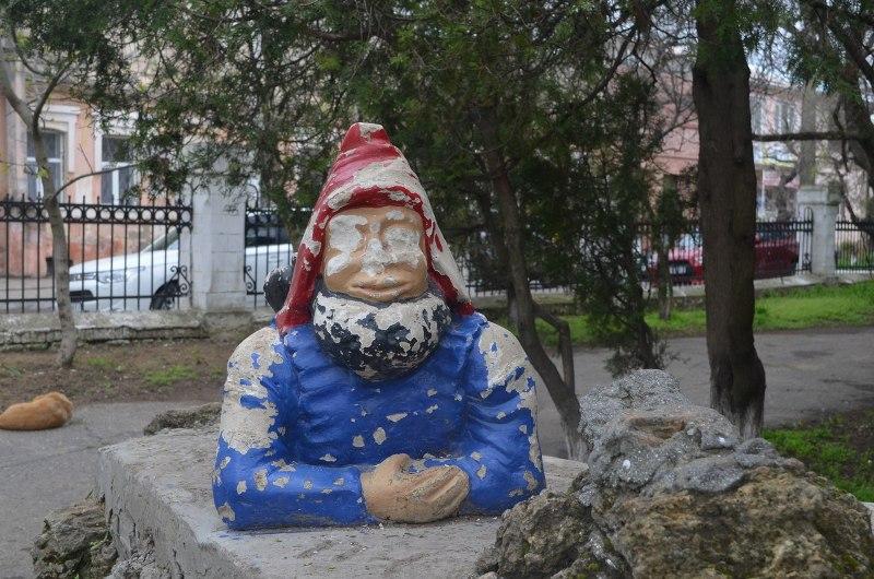 В Белгород-Днестровском парке побывали вандалы
