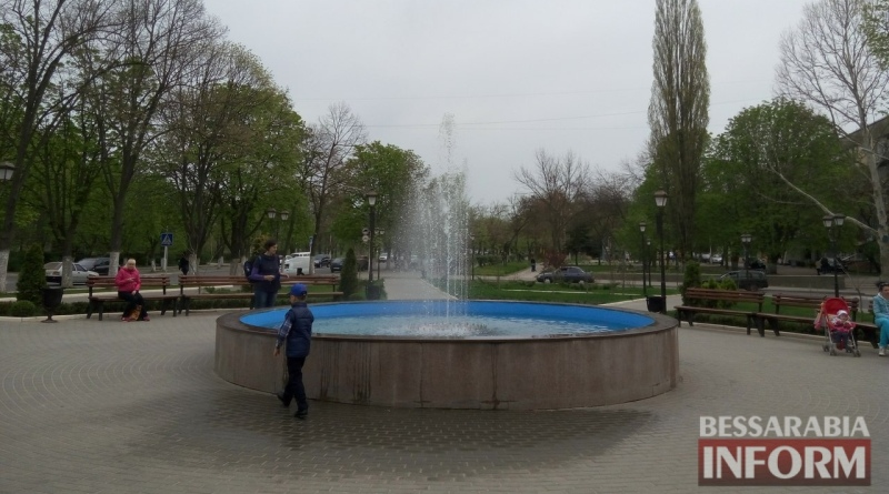 В Измаиле заработали фонтаны (ФОТО)