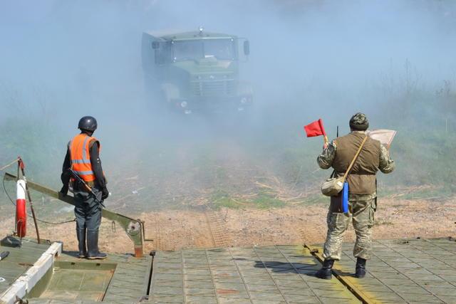 640x427-1 В Белгород-Днестровском районе прошли учения по оборудованию паромной переправы (фоторепортаж)