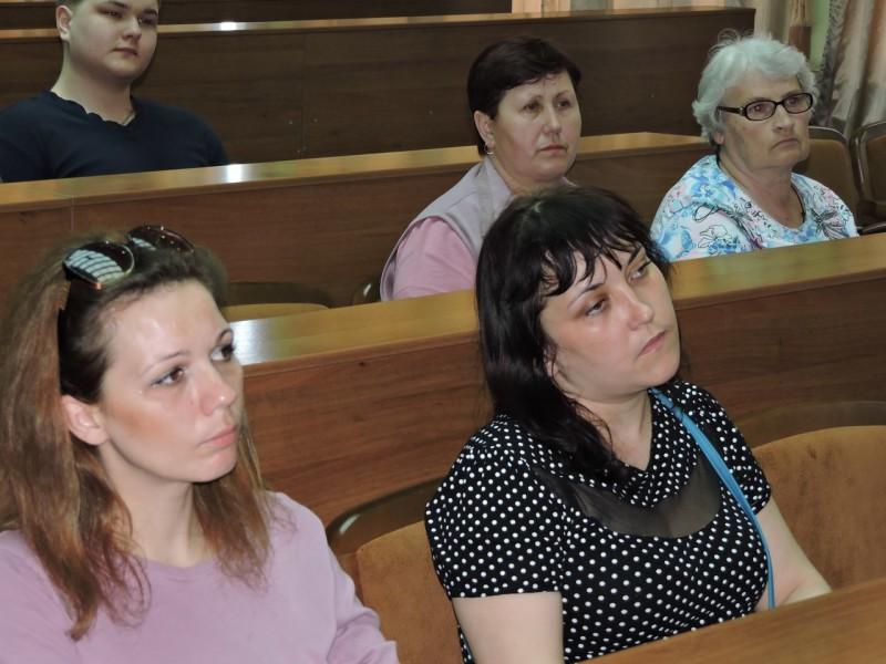 CaWC791KLgM-e1460987301483 В Измаиле беженцев из Донбасса консультировали юристы-общественники