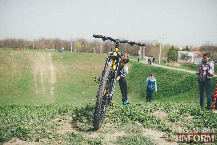 Фоторепортаж: в Измаиле прошли соревнования по экстремальному велокроссу