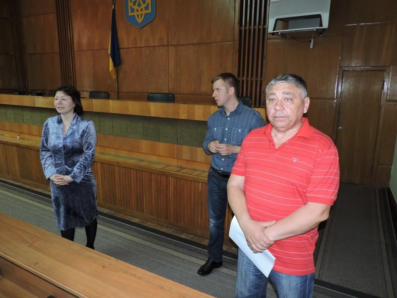 XeVBowDsvrE-e1460987331642 В Измаиле беженцев из Донбасса консультировали юристы-общественники