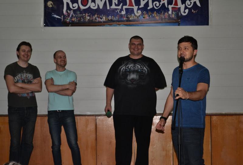 """adedfce360b3f6f784bc2c4f75ee1f087b10025a-e1459765062170 """"Кварталовцы"""" посетили раненных бойцов АТО в Одессе (фото)"""